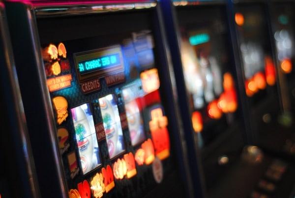 Ein Spielautomat, der genauso funktioniert wie der Beziehungskiller Handy